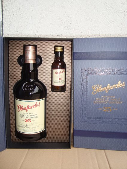 Glenfarclas 25 y. plus Miniature 40 years old 25y OA